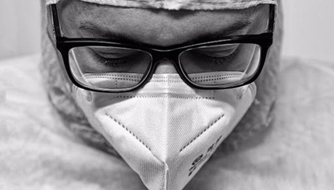 Organizan en Italia muestra fotográfica sobre colaboradores cubanos de la salud en Turín