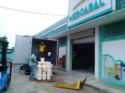 Con más luces que sombras abre en La Habana mercado mayorista para sector no estatal