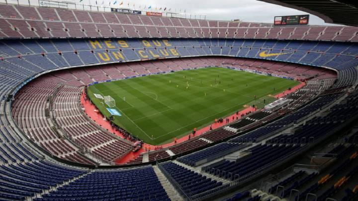 El Nápoles presiona a la UEFA para jugar en campo neutral