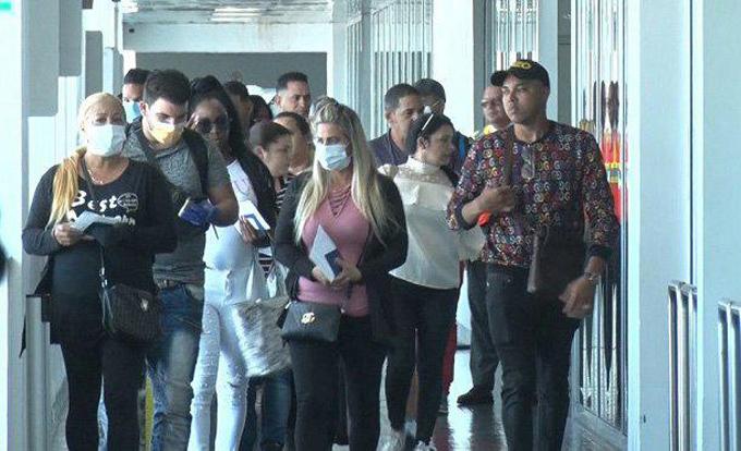 Han regresado más de 4 300 cubanos varados en otras latitudes