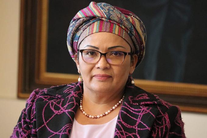 La paz en Colombia sufre el desinterés del gobierno, afirma senadora