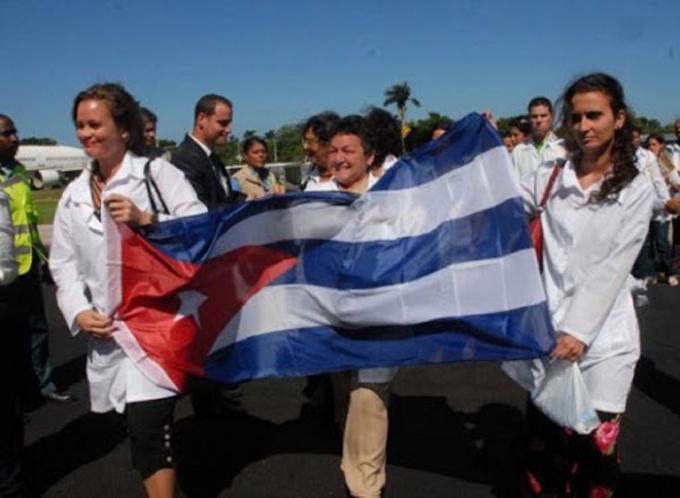 Cuba salva vidas, esa es la verdad, afirma parlamentario francés