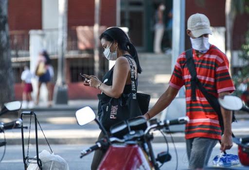 Responsabilidad, clave en victoria ante Covid dice canciller de Cuba