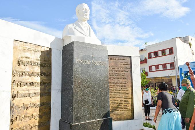 Bayameses rinden homenaje a Perucho Figueredo (+Fotos)
