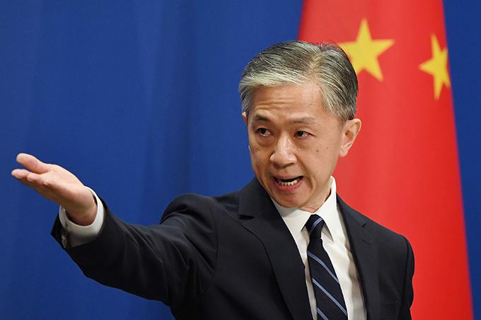 China responderá firme a trabas de EE.UU. contra su prensa