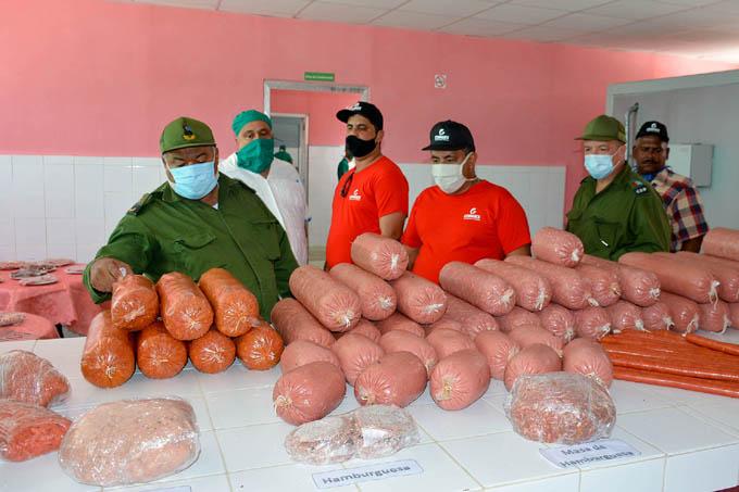 Triplica capacidad de producción centro de elaboración de alimentos para constructores