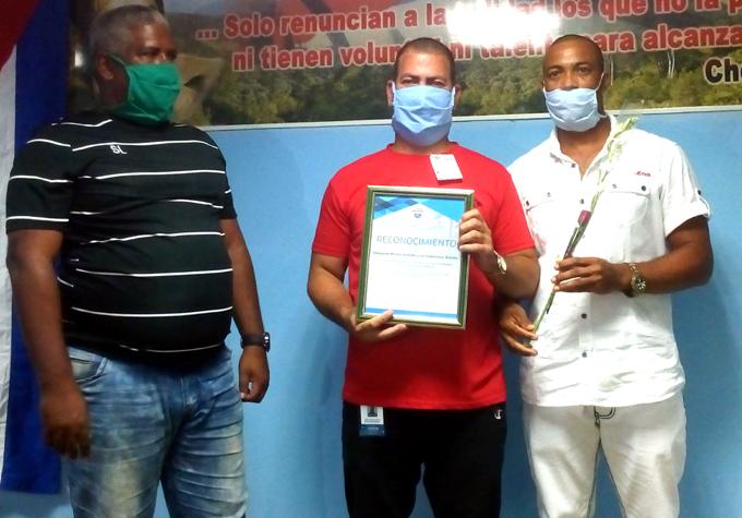 Festejan en Granma Día del trabajador Hidráulico
