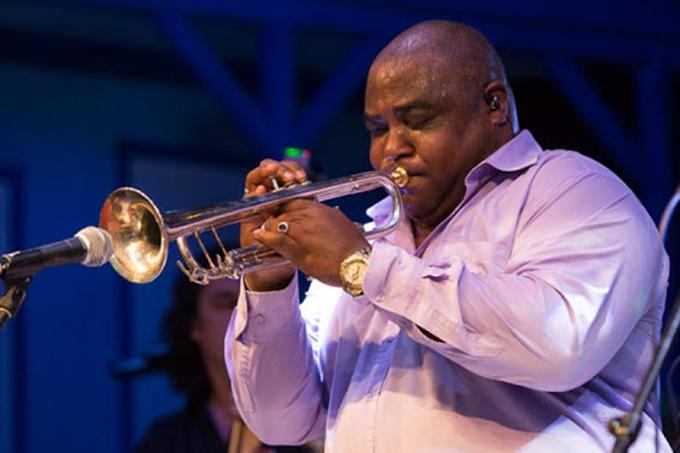 Protagonizan destacados artistas cubanos concierto online número 100 de Estamos Contigo