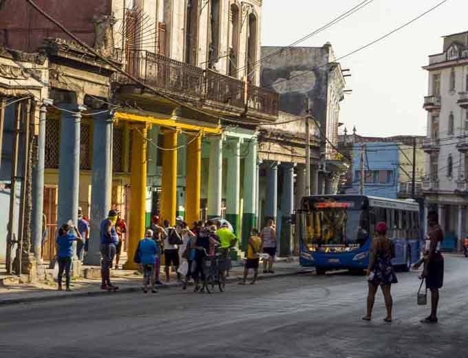 Tres mil 806 personas en total en Cuba diagnosticadas con Covid-19