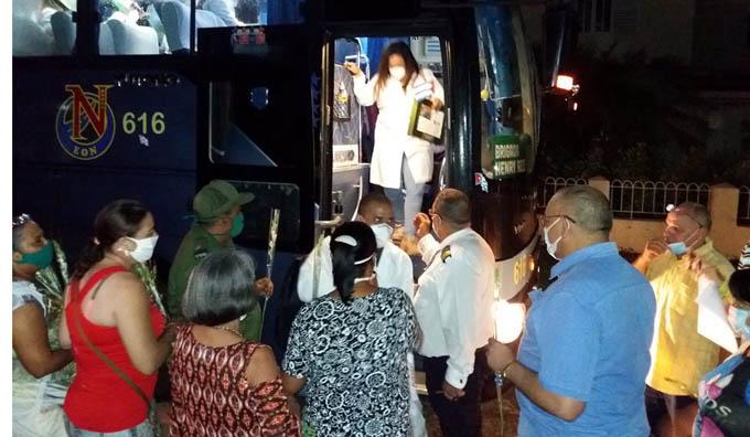 Regocijo en Granma por ayuda humanitaria de colaboradores de la salud a México (+ fotos y videos)