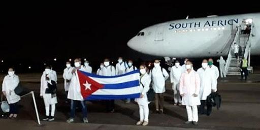 Reconocen autoridades de Sudáfrica labor de médicos cubanos