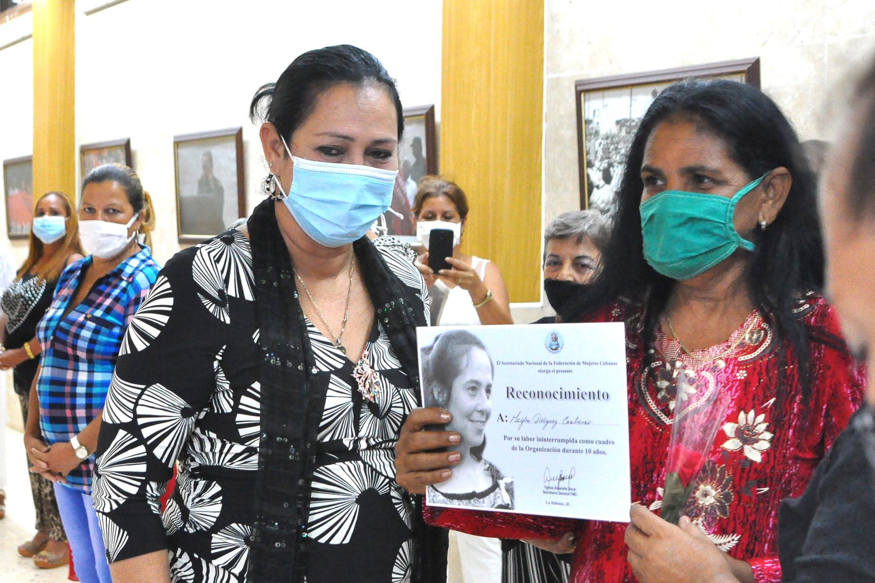 Felicita Díaz-Canel a mujeres de Cuba en aniversario de organización