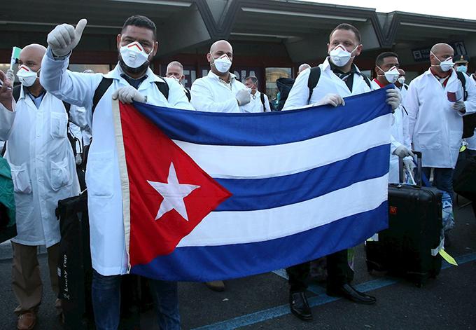 Presentan en Grecia Comité de Honor por Nobel para Brigada Henry Reeve