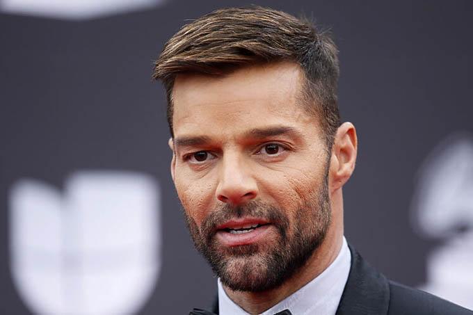 Cantante Ricky Martin cataloga de dictadura la administración Trump