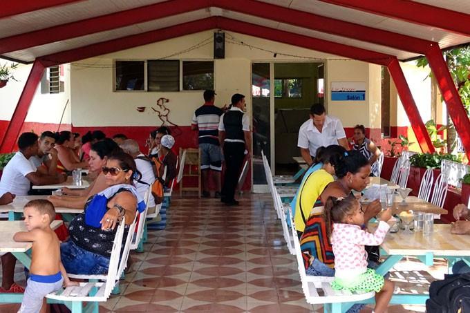 Realizan ofertas para niños los domingos unidades gastronómicas de Granma