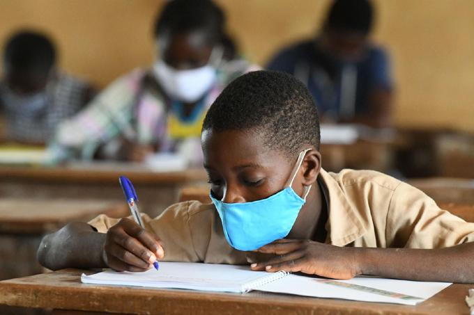 Aboga OMS por regreso seguro de niños a las escuelas tras Covid-19
