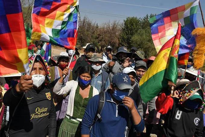 Bloquean zonas de La Paz contra gestión del gobierno de Bolivia