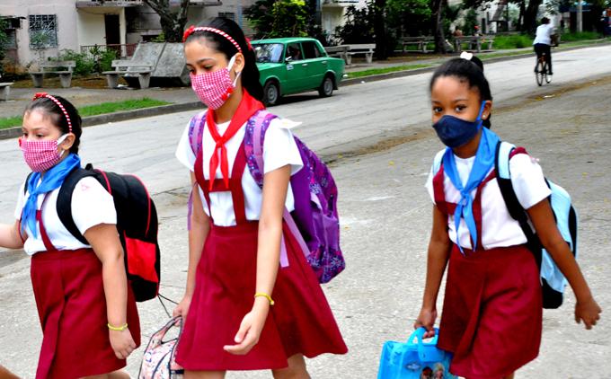 Comenzará en Granma venta de uniformes escolares