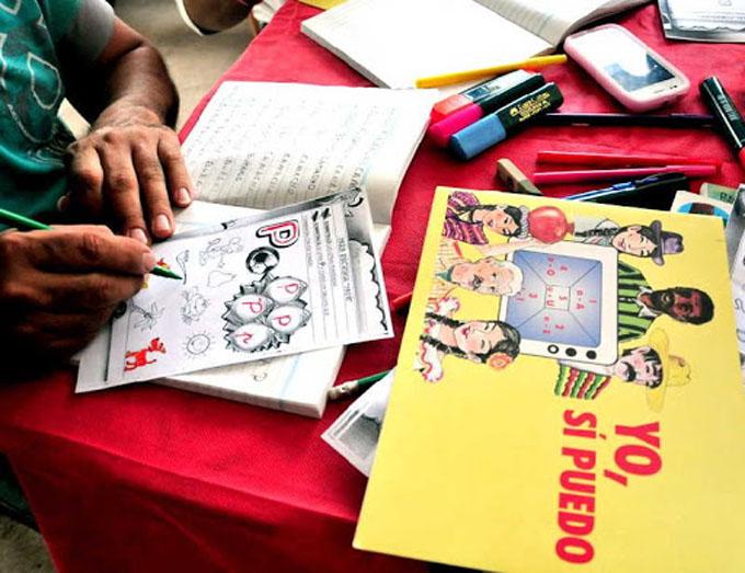 Canciller destaca aporte de método de Cuba a alfabetización mundial