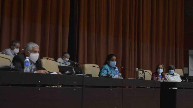Presentan proyecto de Ley del Presidente y Vicepresidente de la República