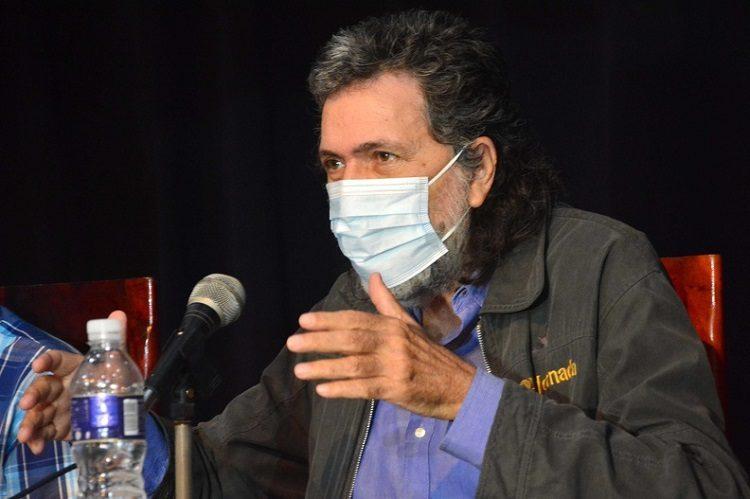 Presentan en la Cubanía libro de Abel Prieto Jiménez (+fotos)