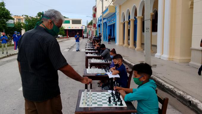 Simultánea de ajedrez celebra la Cubanía (+fotos y video)