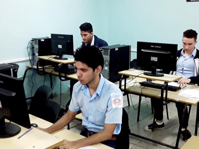 Obtienen estudiantes del Ipvce de Granma 29 medallas en concursos de conocimientos