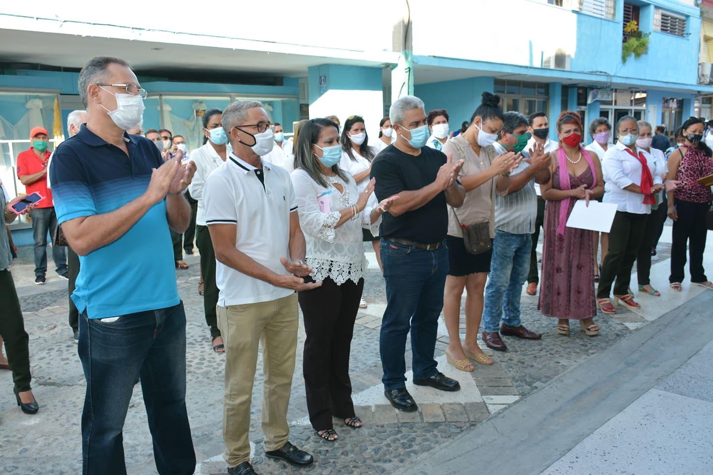 Celebran en Bayamo Día del trabajador bancario