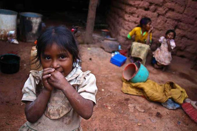 Pobreza extrema amenaza a millones de niños, alertan agencias de ONU
