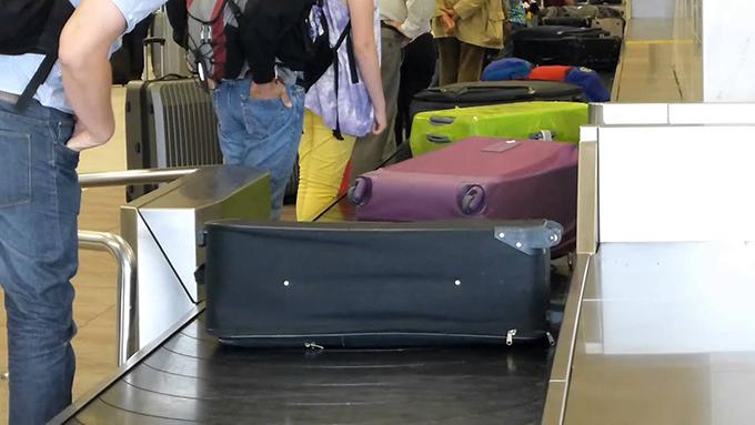 Cubanos podrán permanecer en el exterior hasta octubre de 2021 sin perder su residencia