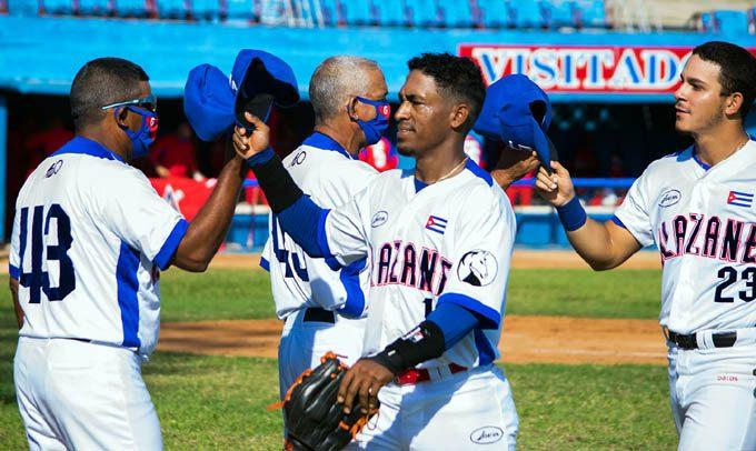 Alazanes suben al tercer puesto en campeonato cubano de béisbol