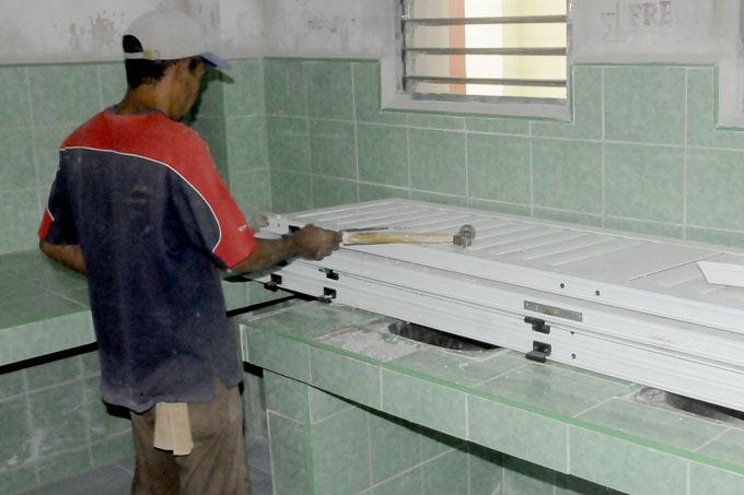 Ejecutan obras del programa de mantenimiento a inmuebles de la salud