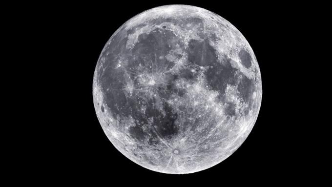 Confirma la NASA existencia de agua en la Luna