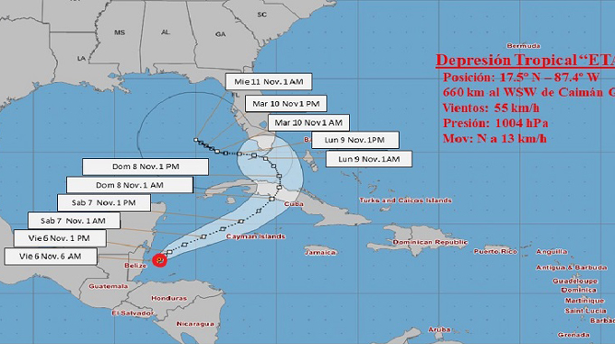 Eta se desplaza al norte nordeste sobre el golfo de Honduras