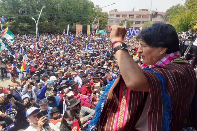 Evo Morales agradece apoyo tras retorno a Bolivia