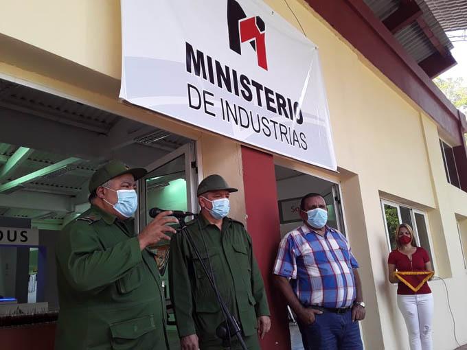 Exhibe Ministerio de Industrias potencialidades en expo Granma (+fotos)