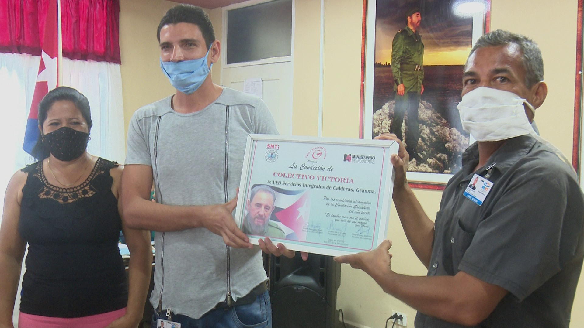 Recibe División Alastor Granma distinción Colectivo Victoria (+fotos)