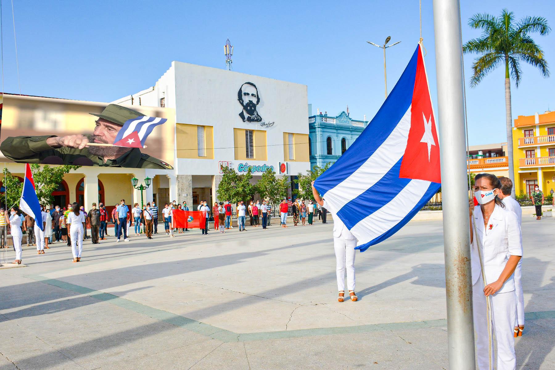 En Bayamo Ceremonia de las Banderas, un tributo a Fidel