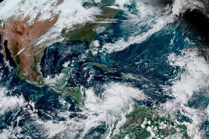 Huracán Iota alcanza vientos de 245 kilómetros por hora (+fotos y video)