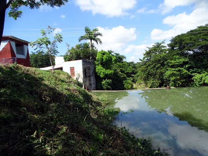Reparan plantas potabilizadoras de la primera obra educacional construida por la Revolución Cubana