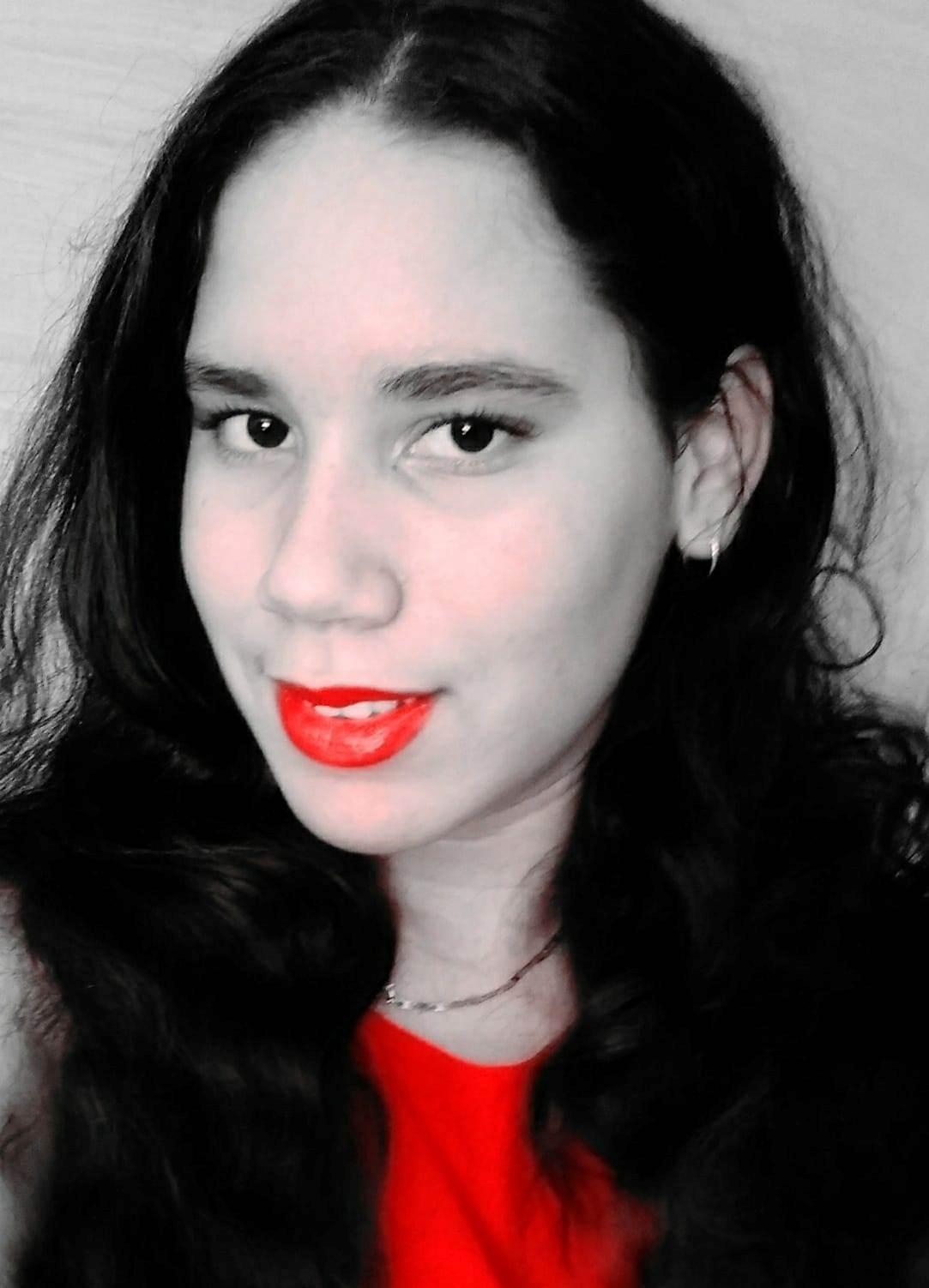 Premian a estudiante en concurso internacional de poesía
