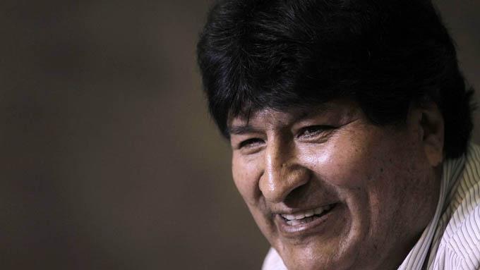Evo Morales vuelve a Bolivia, presidente argentino lo despide