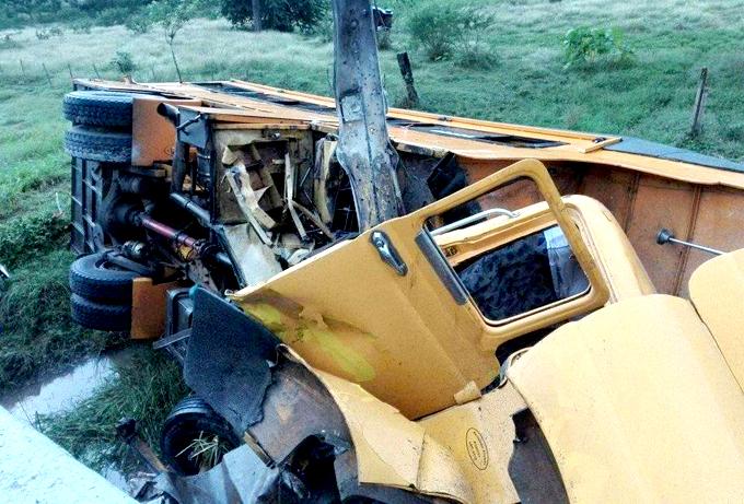Accidente de tránsito en la carretera central próximo a Sibanicú, en Camagüey