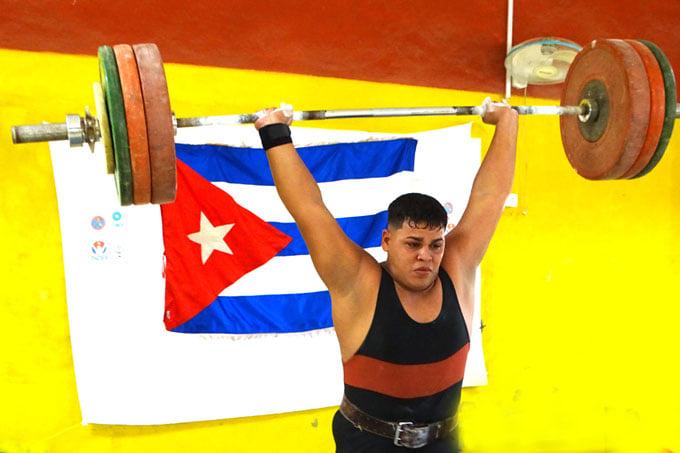 Alejandro, lejos del podio en Panamericano juvenil de pesas