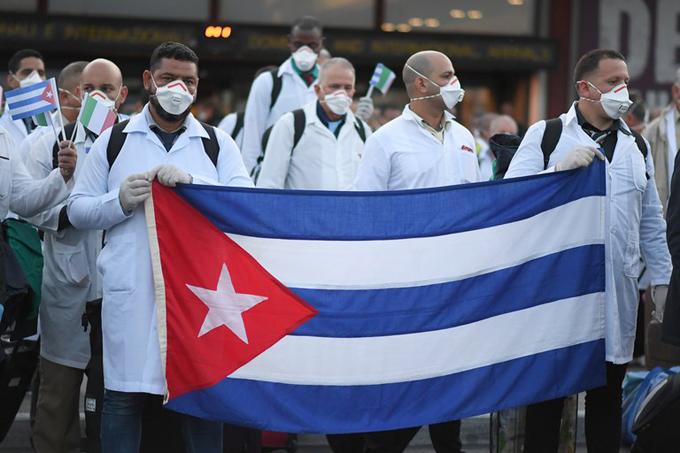 Respaldan neerlandeses petición de Nobel de la Paz para médicos de Cuba