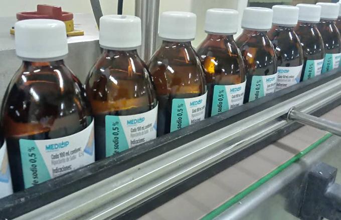 Bloqueo afecta producción de medicamentos en empresa única de su tipo en Cuba