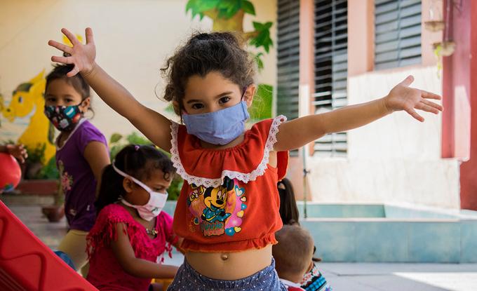 Reafirma canciller cubano compromiso con atención a la infancia