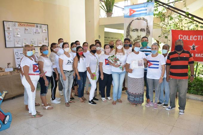 Entregan condición Colectivo martiano al Palacio de pioneros Raquel González Pérez