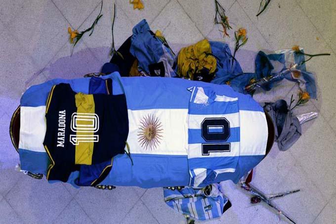 Un mar de pueblo despide a Maradona en Argentina (+Foto)