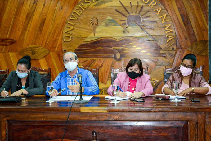 Ministro de Educación Superior visita la Universidad de Granma